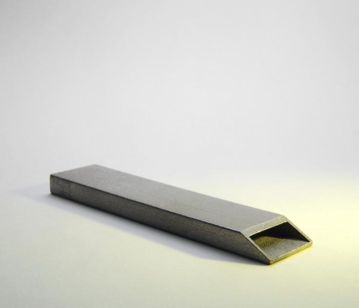 V8designers pchitt - Tool, v8 designers, décapsuleur en acier, Workshop Pschitt IDee.